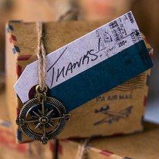 lot-de-12-etiquettes-vintage-voyage