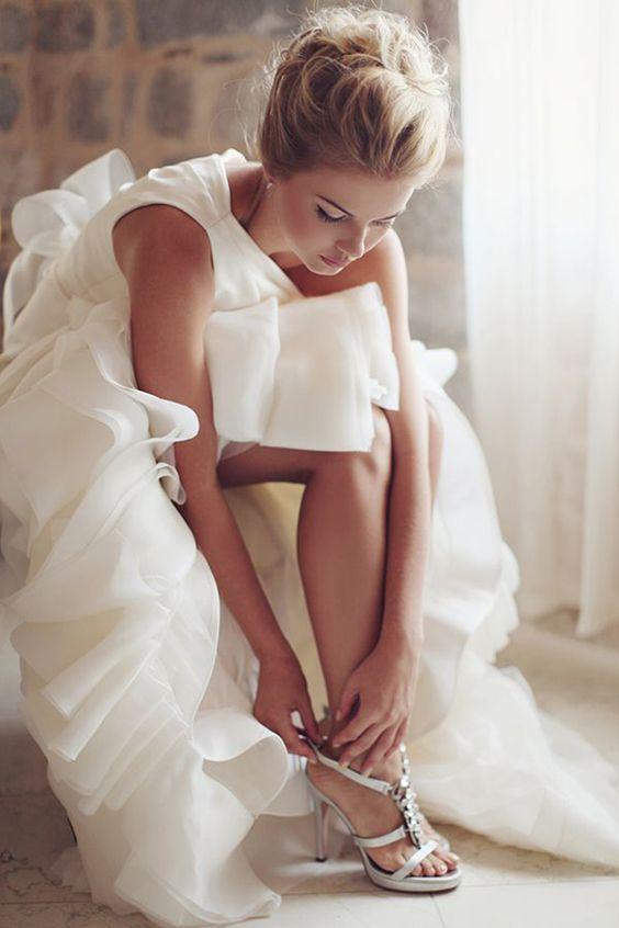 la mariée en pleine préparation