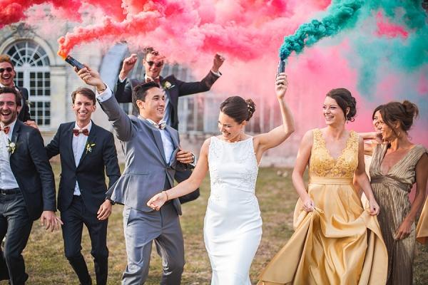 smoke-bomb-wedding-photo