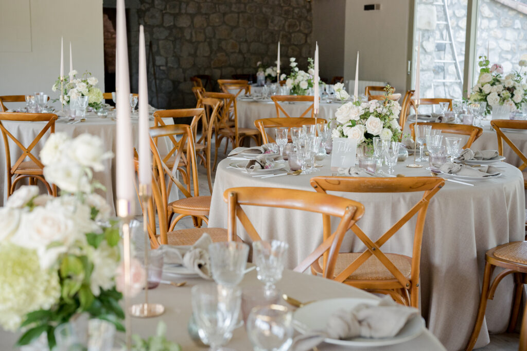 centre de table rose blanc elegant chic drome wedding planner d day organisation mariage