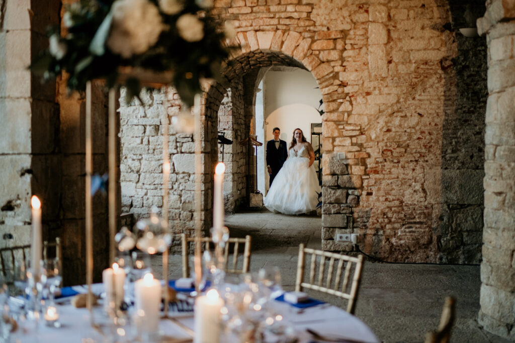décoration doré chaise or mariage wedding planner lyon organisation mariage beaujolais
